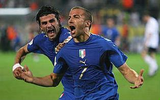 Italia - Germania, l'esultanza di Del Piero dopo il gol