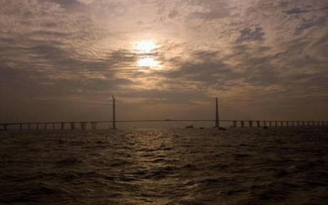 Il ponte con la campata centrale piùlunga