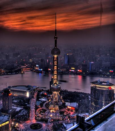 L\'Oriental Pearl TV Tower di Shanghai
