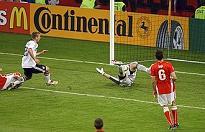 Germania-Polonia 2-0, primo gol di Podolski