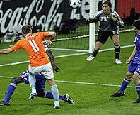 Olanda-Francia 4-1, il gol di Robben