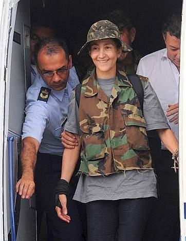 Liberata Ingrid Betancourt dopo sei anni di prigionia